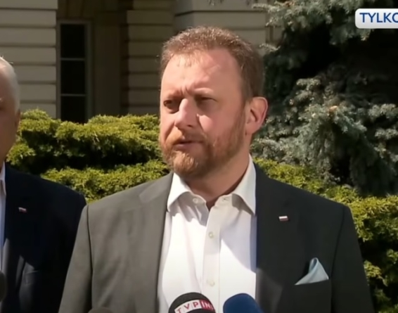 """Ciąg dalszy afery Szumowskiego. Minister tłumaczy: """"Brat dostawał granty zanim byłem w rządzie"""""""