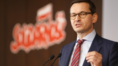 Żółta strefa w całej Polsce. Co ze szkołami? Premier Mateusz Morawiecki: w sobotę decyzja