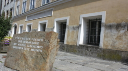 """Austria """"zneutralizuje"""" dom, w którym urodził się Hitler. Będzie posterunkiem policji"""