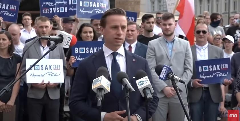 """Bosak upomniał się o głosujących poza granicami: """"PiS nie jest wstanie im zapewnić pakietów wyborczych"""""""