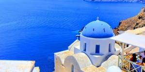 Koronawirus: Grecja odczuwa pierwsze skutki otwarcia się na turystów