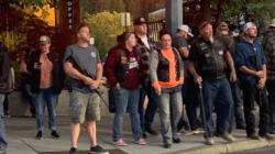 W tym mieście ANTIFA nie ma wjazdu! Biali zorganizowali specjalne milicje na rogatkach [+WIDEO]