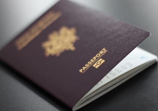 Polacy w długich kolejkach po niemieckie paszporty. Jesteśmy w czołówce