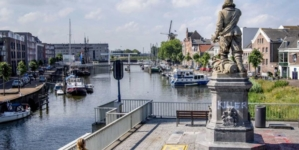 Trwa fala zamieszek. W Rotterdamie uszkodzono pomnik admirała