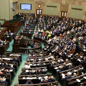 Sejm wznowił obrady! Nowelizacja ustawy COVIDowej, wybór RPO. Będzie drugi LOCKDOWN? [NA ŻYWO!]