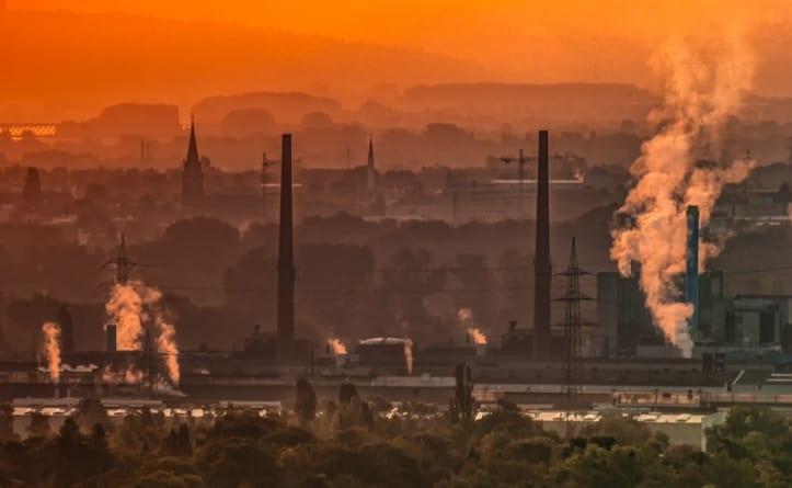 Wskaźniki polskiego przemysłu idą w górę. Analitycy zaskoczeni