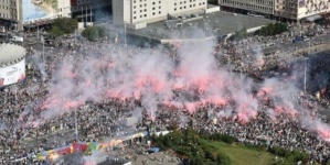 """Marsz Powstania Warszawskiego 2020 pod hasłem: """"Niemieckie zbrodnie nierozliczone"""""""