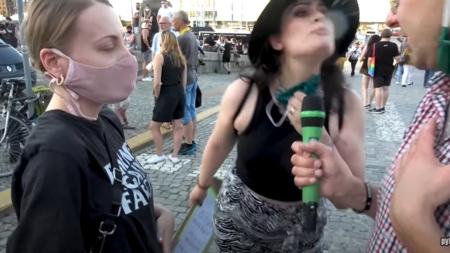 """Jaok opluty przez aktywistkę LGBT. """"Zgłoszę ją do sanepidu, niech robią jej wymazy"""""""