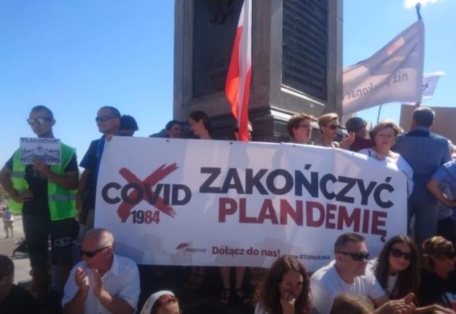 """""""Zakończyć plandemię!"""" – protest przeciw rygorom COVID-19 w Warszawie"""