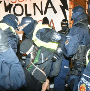 Warszawska policja przeprasza dziennikarzy za swoją agresję