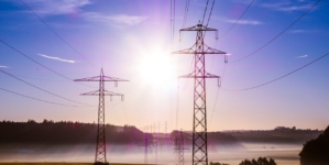 Wzrosną ceny prądu. Rząd wycofuje się z powszechnych dopłat