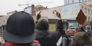 Antifa wymusza ewakuację księgarni! Lewica bojkotuje książkę o… Antifie