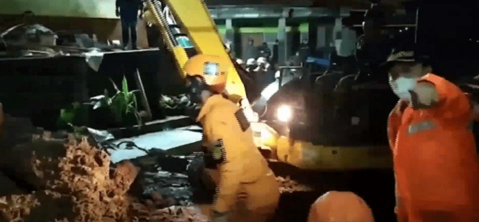 Tragedia w Indonezji! W wyniku osuwiska ziemi zginęło 13 osób
