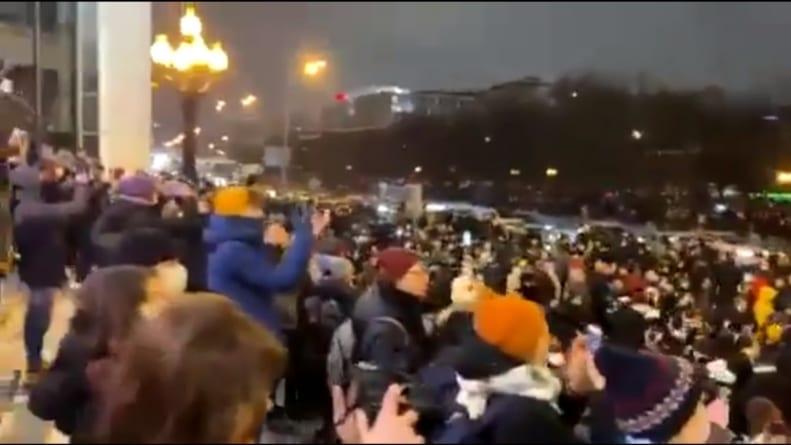 Protesty w kilkudziesięciu miastach Rosji. Ponad 2000 osób zatrzymanych