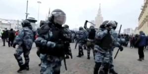 Rosja: Tysiące zwolenników Nawalnego aresztowanych w niedzielę