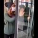 [WIDEO] Przykleiła się do drzwi Kancelarii Sejmu. Protest ekologiczny