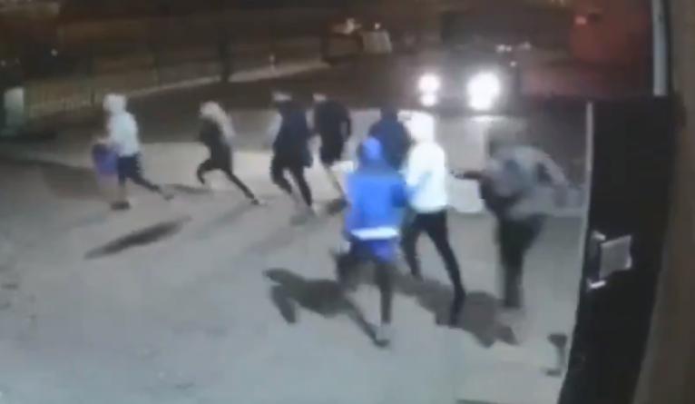 Nalot brytyjskiej policji na siłownie. Zatrzymano 52 osoby