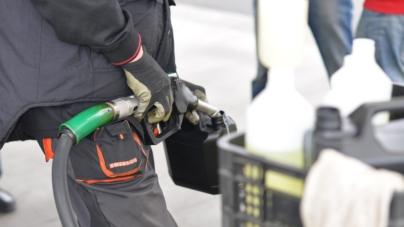 """Sztokholm oszalał i chce PODWOIĆ ceny benzyny. Wszystko dla """"celów klimatycznych"""""""