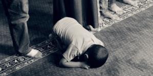 Prześladowanie muzułmanów nawróconych na chrześcijaństwo. Francuski rząd nie dostrzega problemu