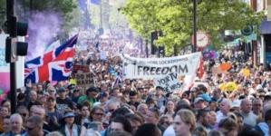 """Protest przeciwko obostrzeniom w Londynie. """"Wolność nie podlega negocjacjom!"""" [WIDEO]"""