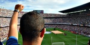 Kibice chcą wypraszać ze stadionów. Złe wieści dla PO, Lewicy i Strajku Kobiet