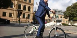 """Zieloni szaleją w Sztokholmie! """"Samochody nie mogą jeździć szybciej, niż rowery"""""""