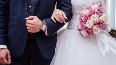 Korona-szaleństwo w Waszyngtonie! Zakaz tańca oraz stania na weselach