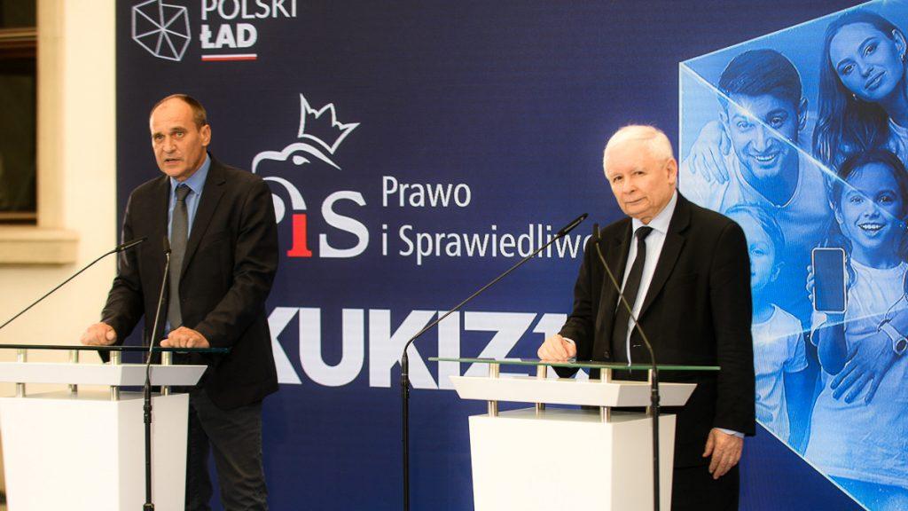 Paweł Kukiz na konferencji prasowej z Jarosławem Kaczyńskim