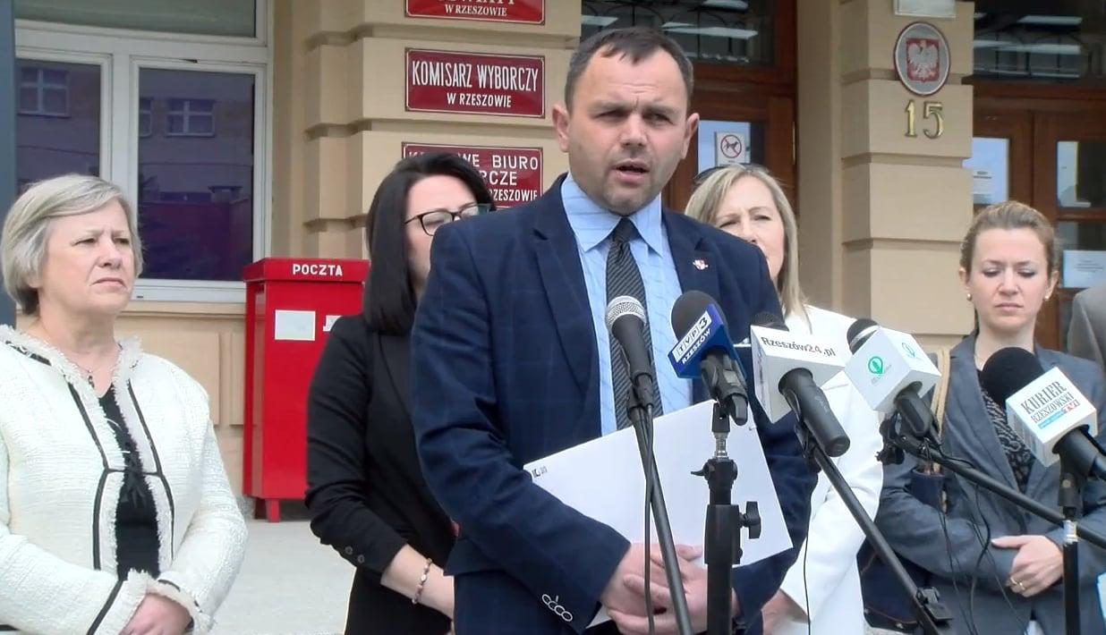 Rzeszowscy działacze Konfederacji apelują o zwolnienie dyrektora lokalnego szpitala klinicznego