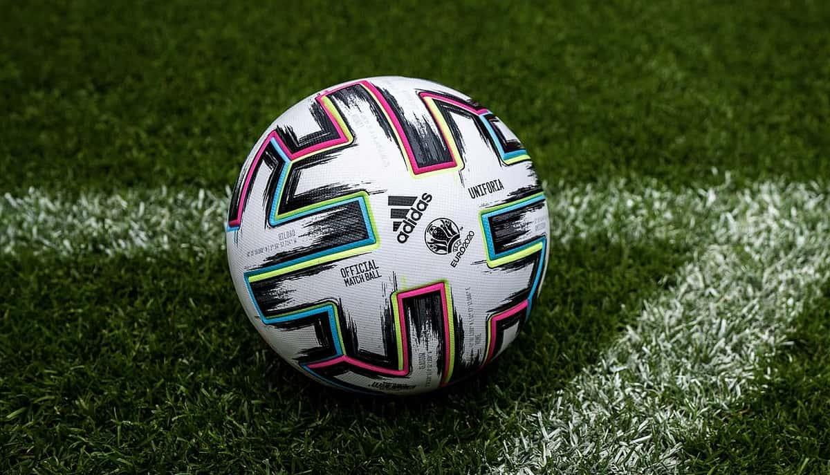 Piłka meczowa Euro2020.