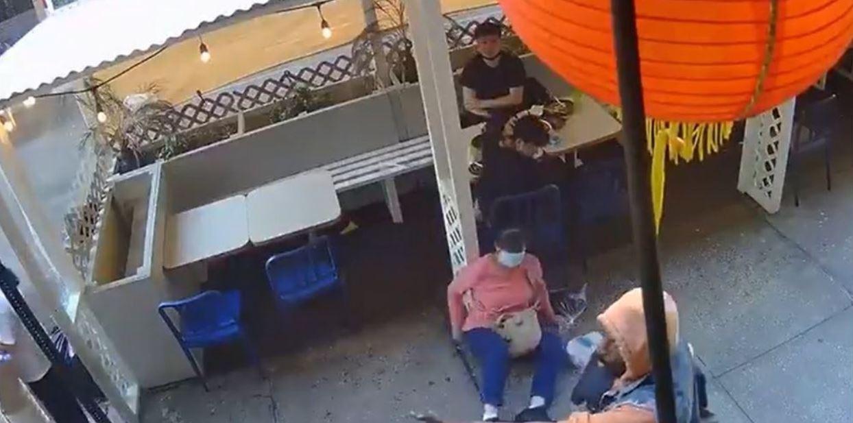 Chinatown, Azjatka zaatakowana przez czarnoskórego