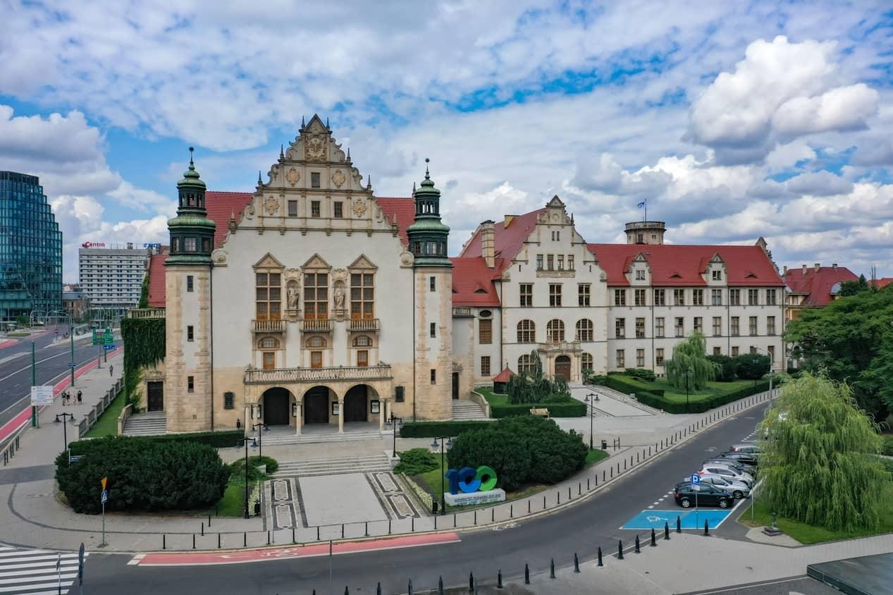 Wschodnia imigracja wyklucza naszych studentów z polskich uczelni