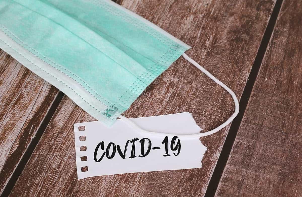 Maseczka COVID-19