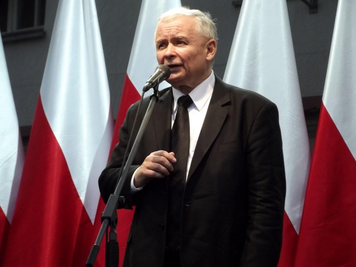 https://medianarodowe.com/wp-content/uploads/2021/07/kaczynski-konferencja-mn.jpg